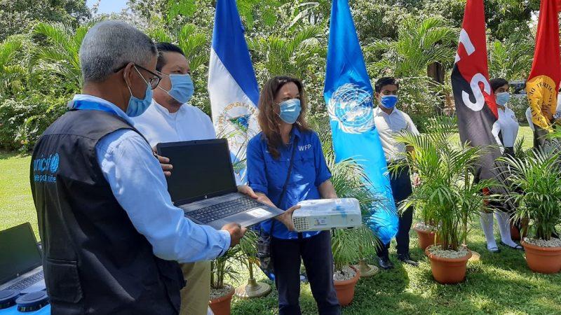 UNICEF dona equipos tecnológicos para escuelas Managua. Radio La Primerísima