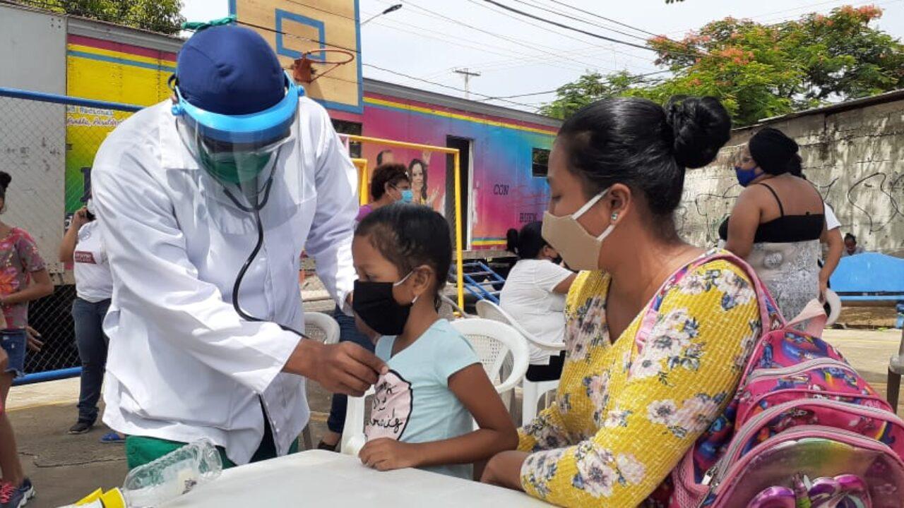 Familias del barrio Recreo Norte reciben atención médica Managua. Radio La Primerísima