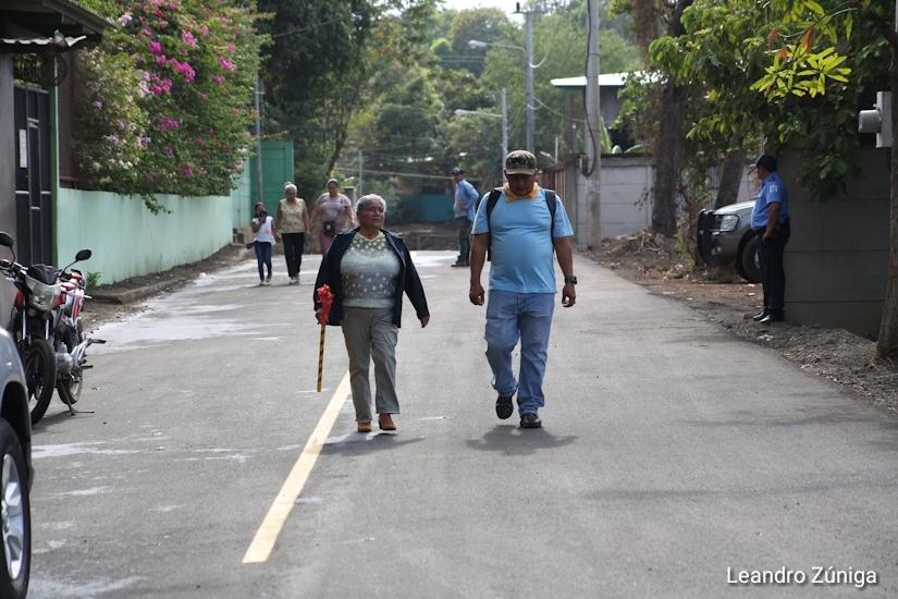 Alcaldía inaugura mejoramiento vial en una comarca de Managua Managua. Radio La Primerísima