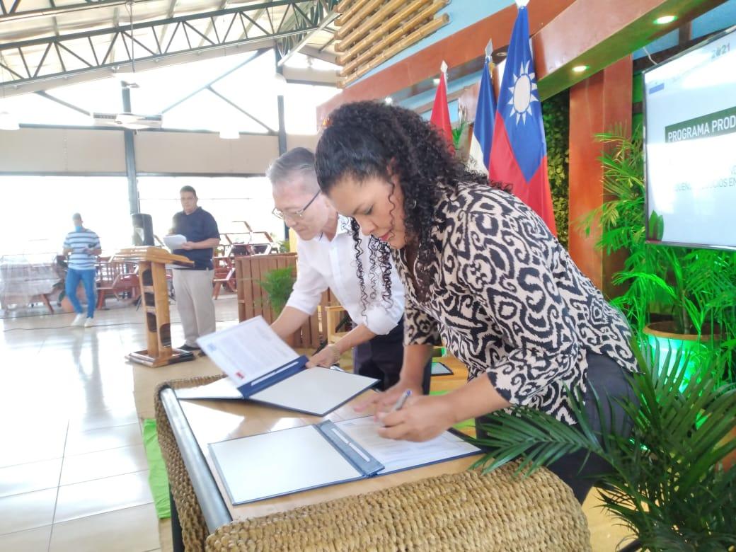 Fortalecen programa Bono Productivo Managua. Radio La Primerísima