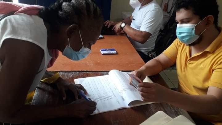 Entregan bono a pescadores del Caribe Norte Managua. Radio La Primeríisma