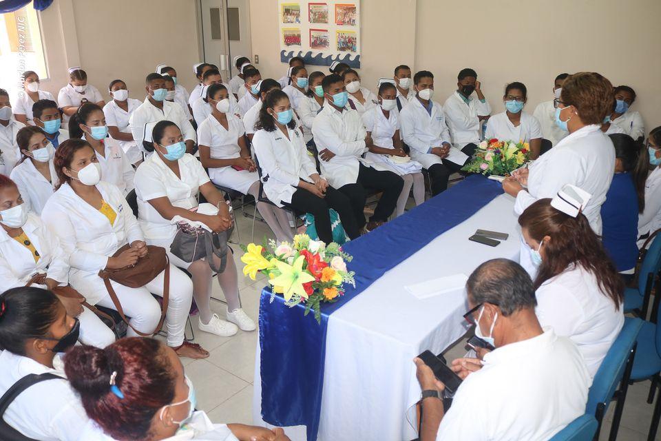 Médicos llegan al Caribe Norte para dar su servicio social Managua. Radio La Primerísima