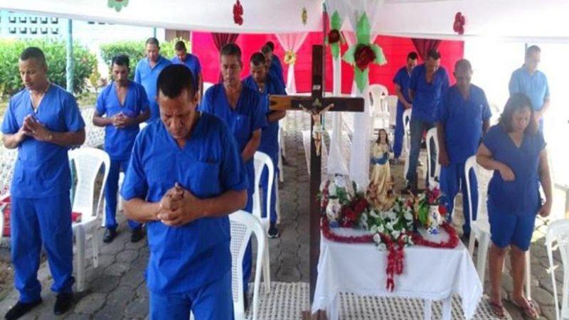 Privados de libertad de todo el país reciben misa virtual Managua. Radio La Primerísima
