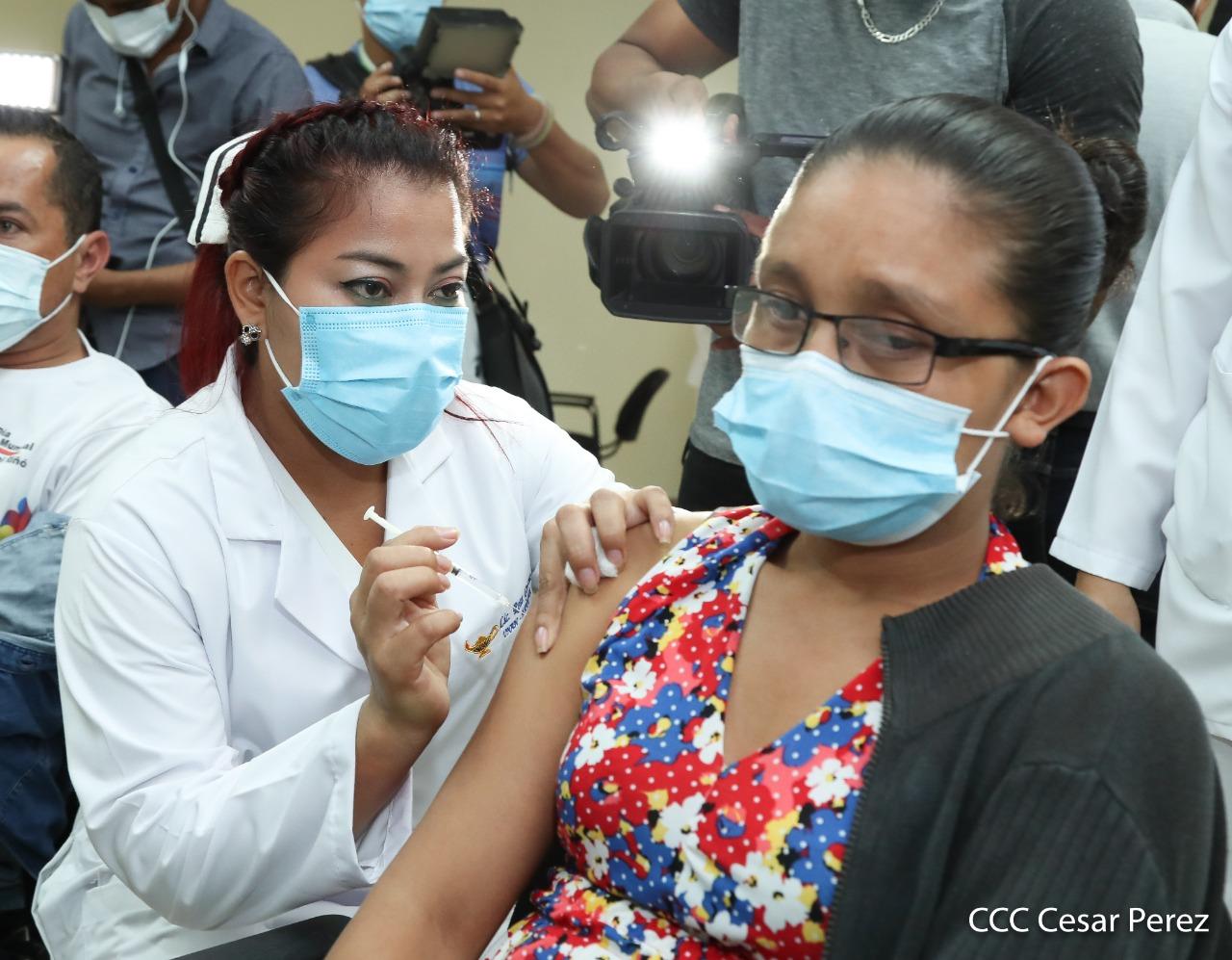 Vacunan contra Covid-19 en Ciudad Sandino y Tipitapa Managua. Radio La Primerísima
