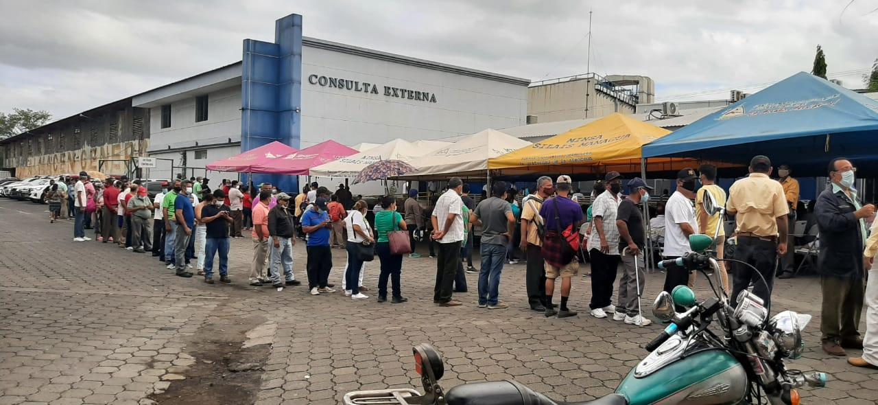 Avanza vacunación contra Covid-19 en hospitales Managua. Por Libeth González/Radio La Primerísima