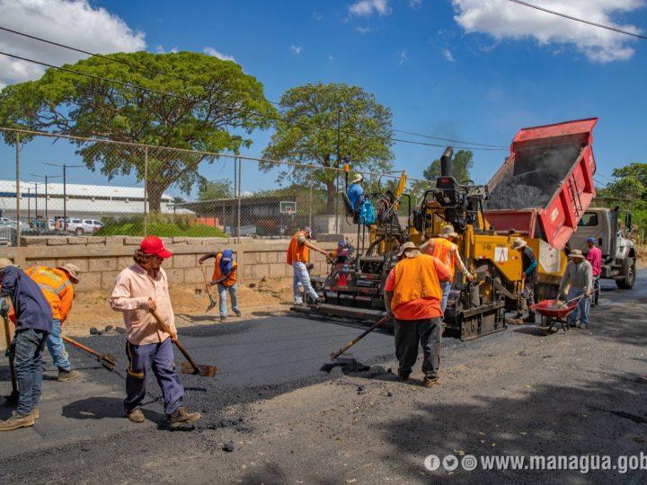Avanza construcción de calles asfaltadas en Nejapa