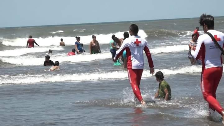 Tres personas mueren ahogadas en Poneloya Managua. Radio La Primerísima