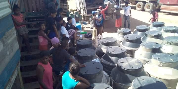 Entregan tanques de almacenamiento de agua en el Caribe Norte Managua. Radio La Primerísima