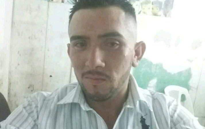 Motorizado muere al ser impactado por camioneta Managua. Radio La Primerísima