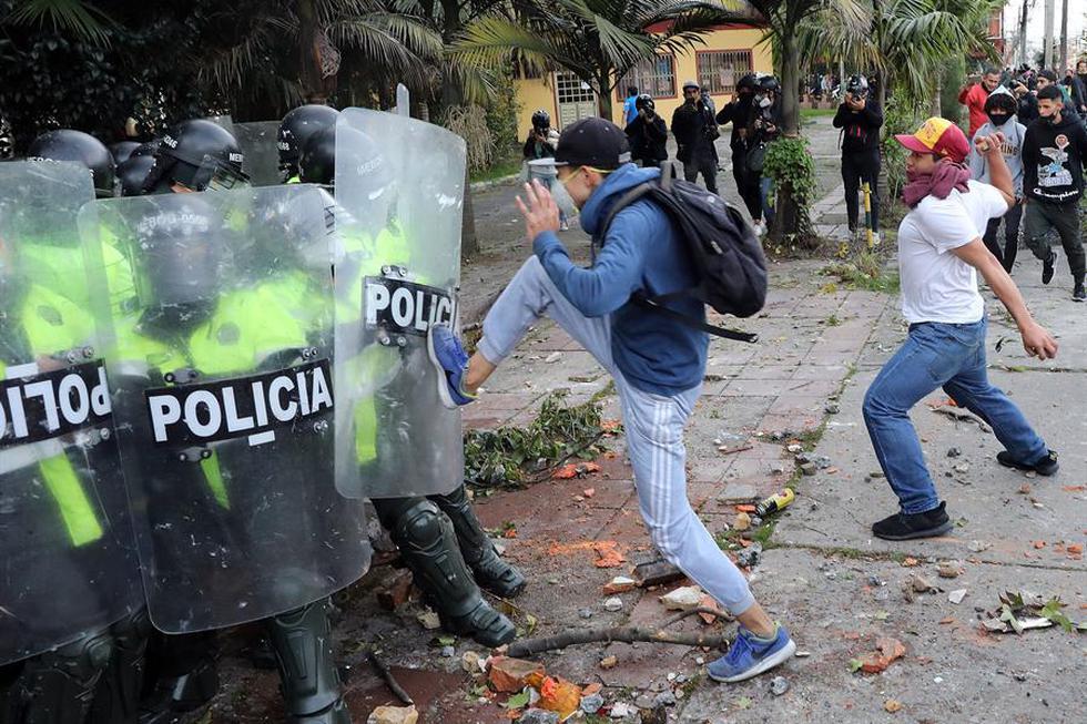 Violentos enfrentamientos frente al Congreso en Colombia Bogotá. Agencias