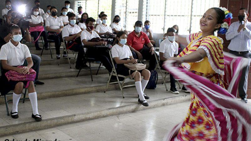 Estudiantes conmemoran Día de Dignidad Nacional Managua. Radio La Primerísima
