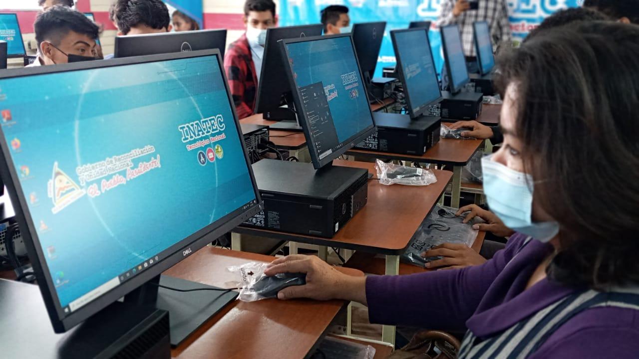 INATEC inaugura laboratorio de computación en Diriamba Managua. Por Manuel Aguilar/Radio La Primerísima