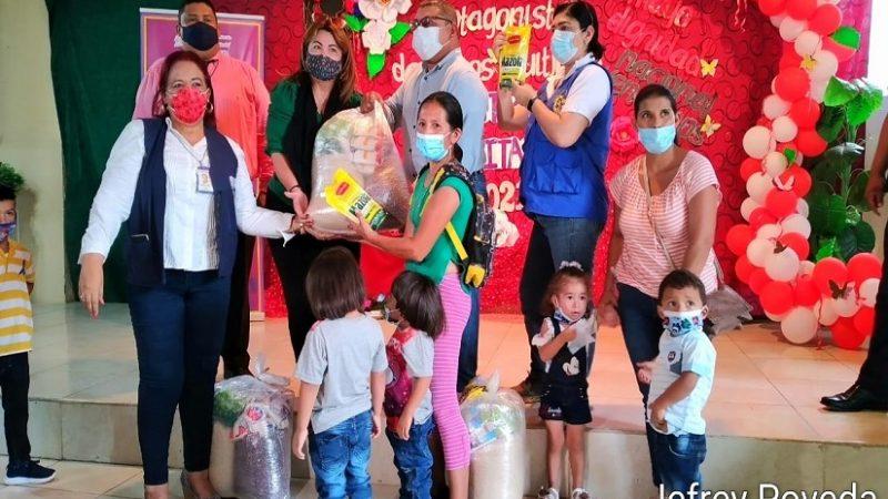 Paquetes alimenticios para madres de partos múltiples en Masaya Managua. Radio La Primerísima
