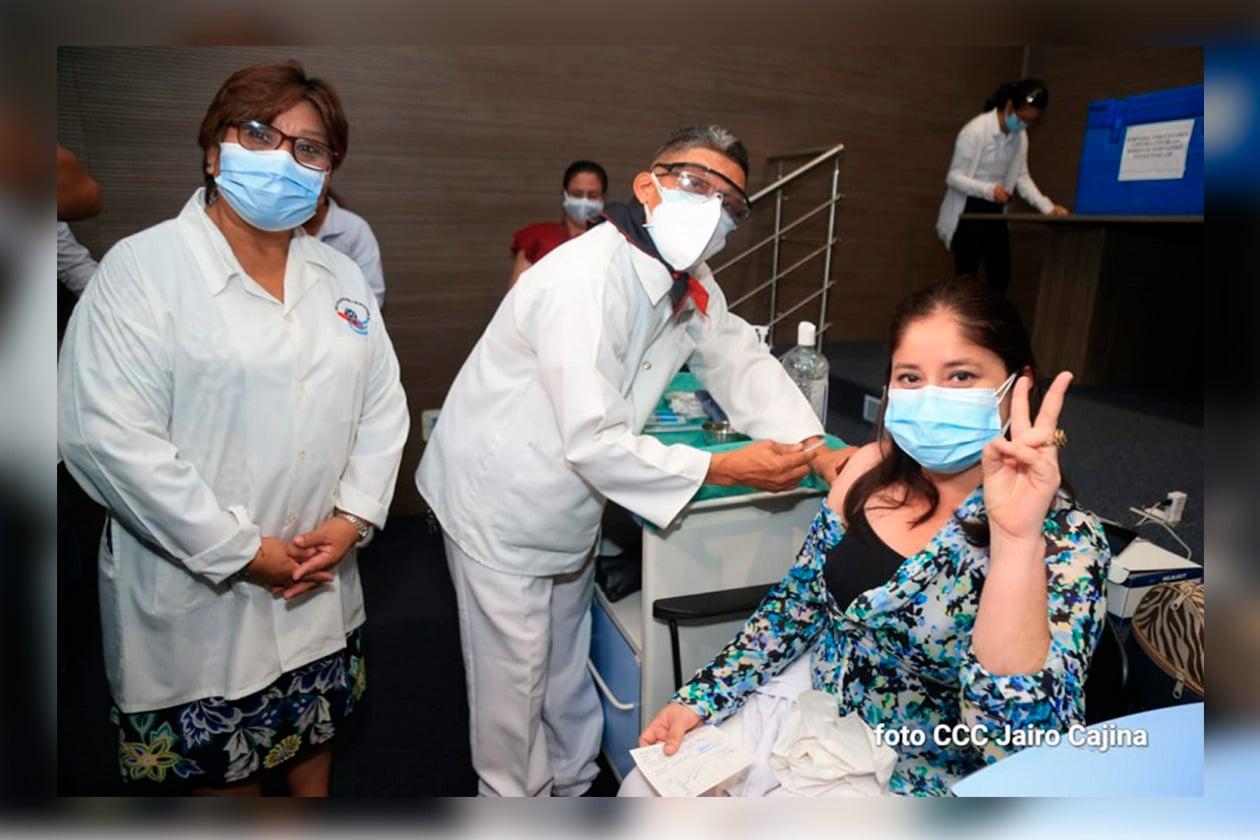 Minsa continúa vacunación voluntaria contra el Covid-19 Managua. Radio La Primerísima