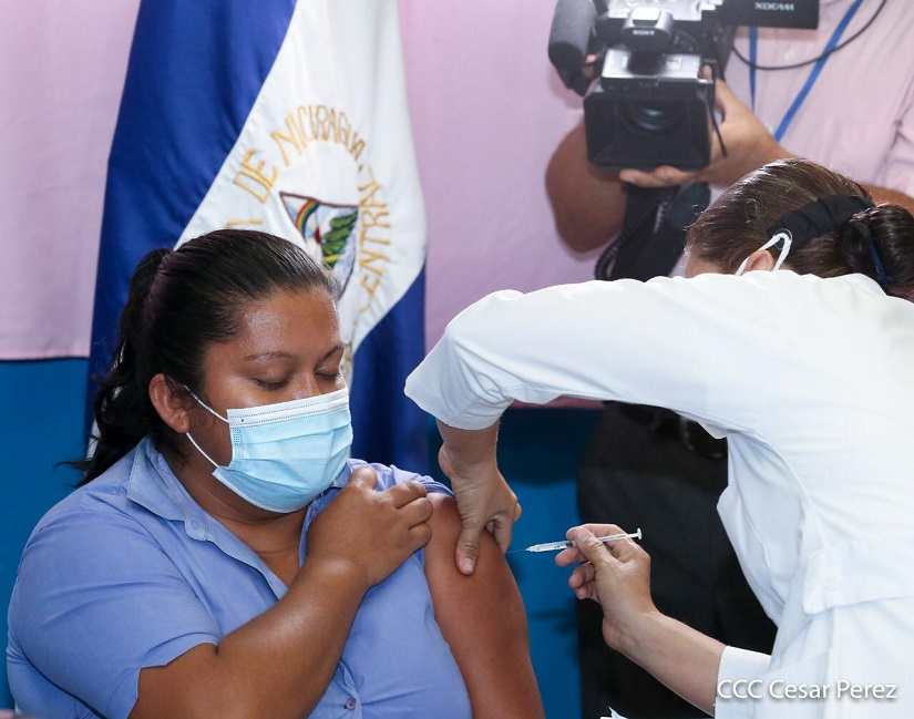 Prosigue vacunación voluntaria contra Covid-19 Managua. Por Libeth González/Radio La Primerísima