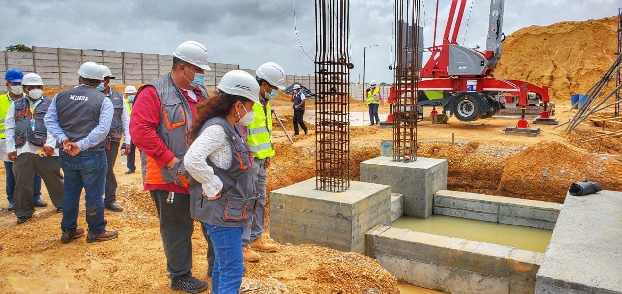 Autoridades supervisan construcción de nuevo hospital de Bilwi Managua. Radio La Primerísima