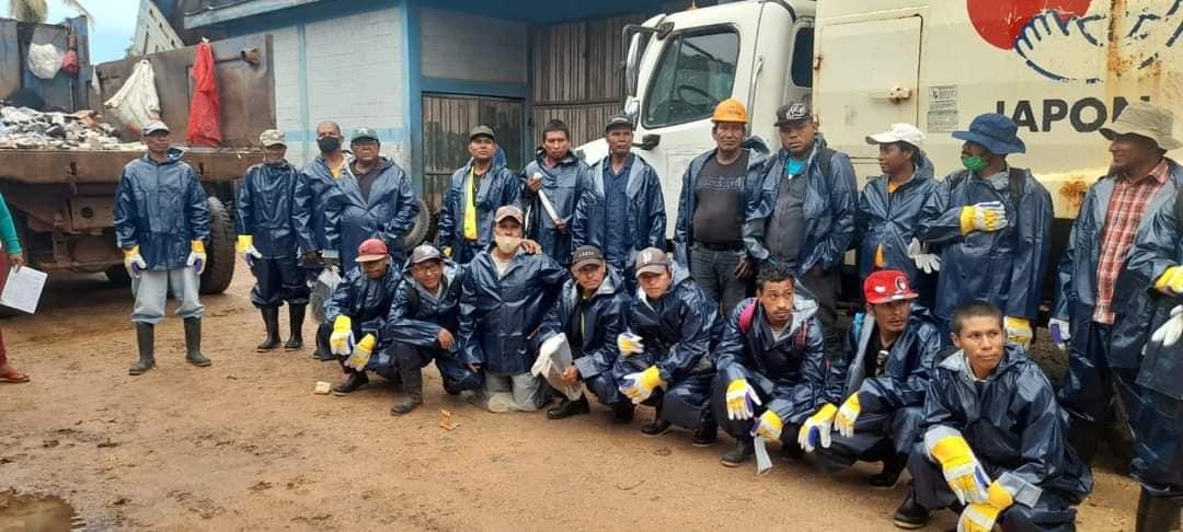 Alcaldía de Bluefields equipa a sus recolectores de desechos Managua. Radio La Primerísima