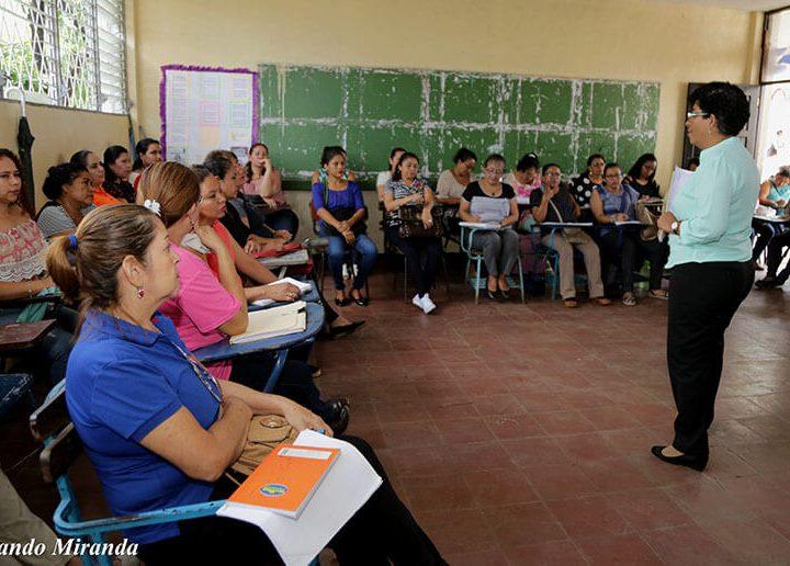 Entregarán bonos especiales a docentes