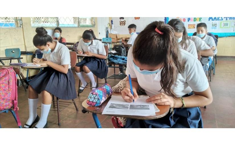 Realizan concurso de lectura y escritura en colegio de Managua Managua. Radio La Primerísima