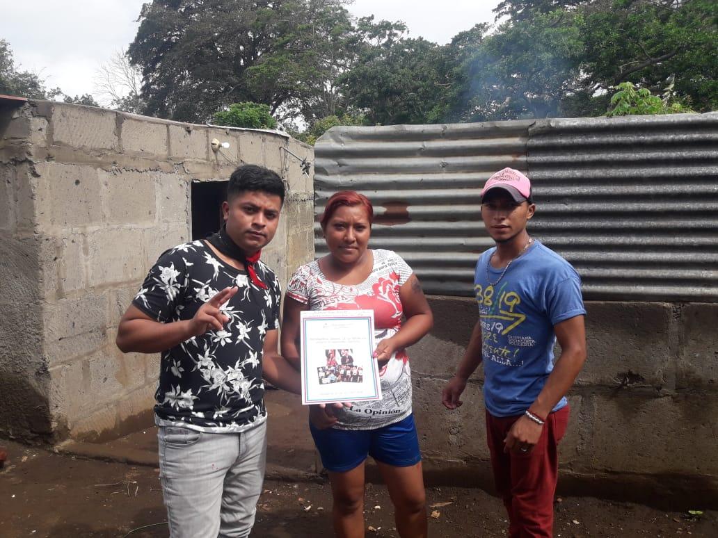 Entregan títulos de propiedad en Carazo Carazo. Por Manuel Aguilar/ Radio La Primerísima