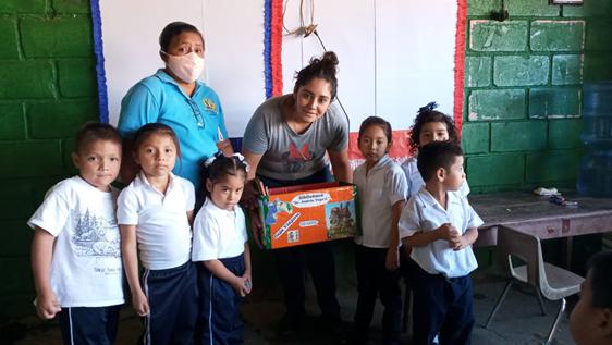 Bibliotecas Viajeras llevan el pan de la enseñanza a todo el país Managua. Radio La Primerísima