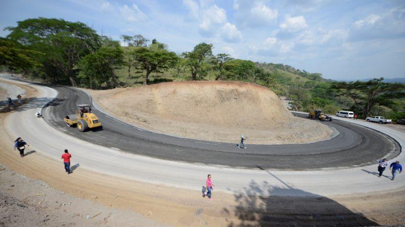 Construirán más de mil kilómetros de carreteras en el país Managua. Radio La Primerísima