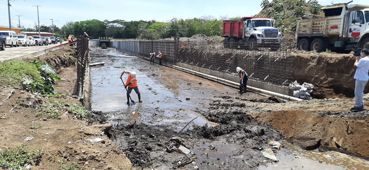 Avanza construcción de cauce en Sábana Grande Libeth González/ Radio La Primerisima