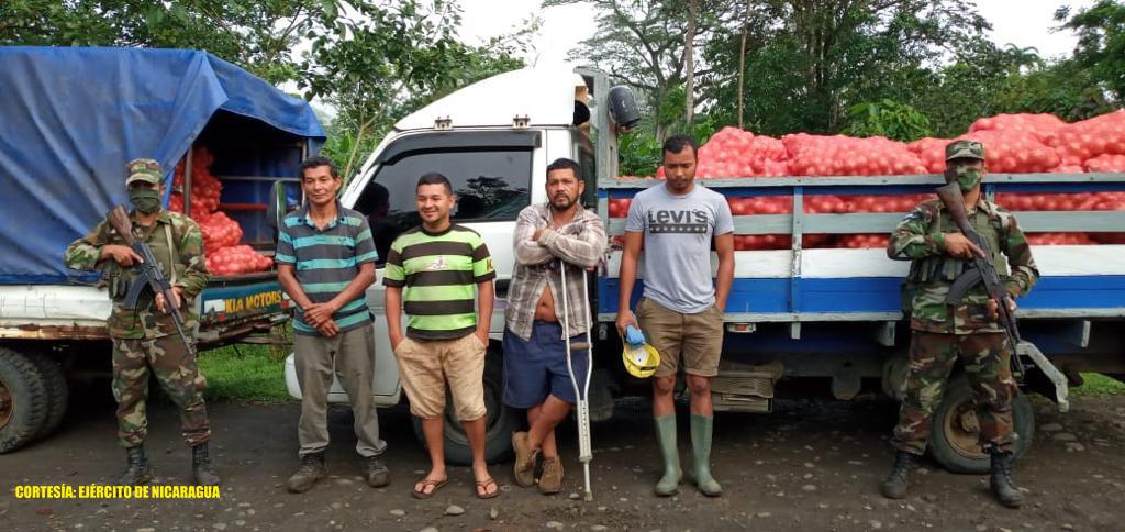 Retienen a nicaragüenses con cargamento de cebolla Managua. Radio La Primerísima