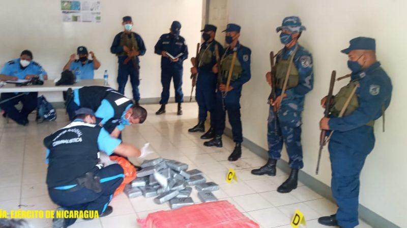 Fuerza Naval incauta 95 paquetes de cocaína en Carazo Managua. Radio La Primerísima