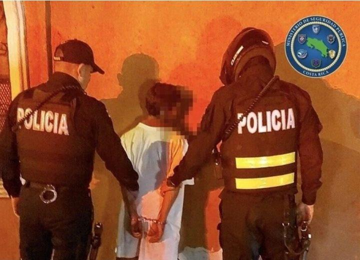 Nica termina sin un dedo al ser atacado en Costa Rica