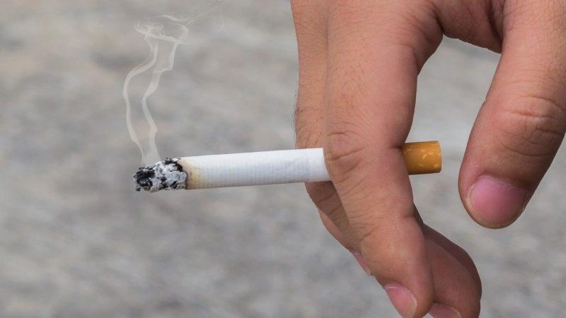 Covid-19 podría propagarse a través del humo del cigarro La Teja, Costa Rica