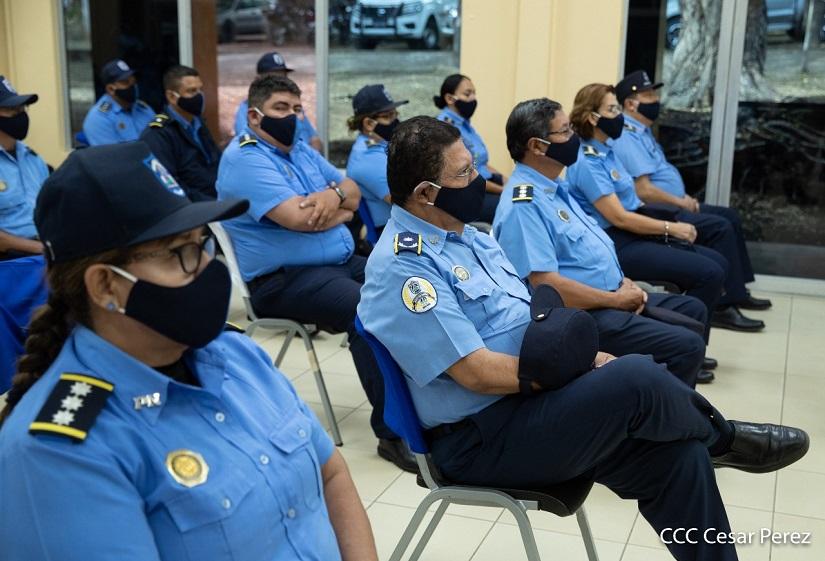 Jefes policiales en diplomado de seguridad ciudadana Managua. Radio La Primerísima