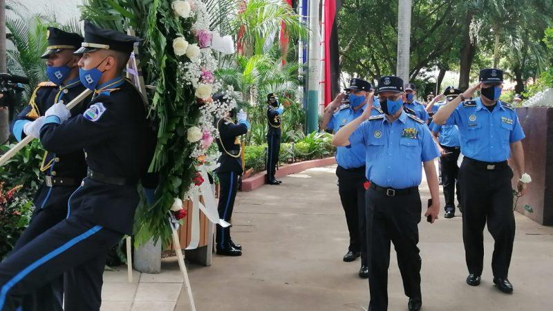 Policía Nacional rinde honores al Comandante Carlos Fonseca Jerson Dumas/ Radio La primerísima