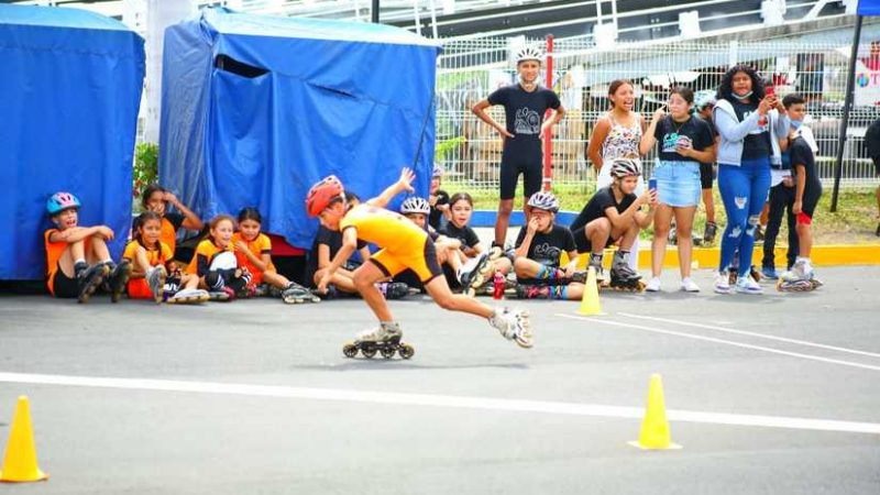Realizan primera carrera de patinaje en Managua Managua. Radio La Primerísima