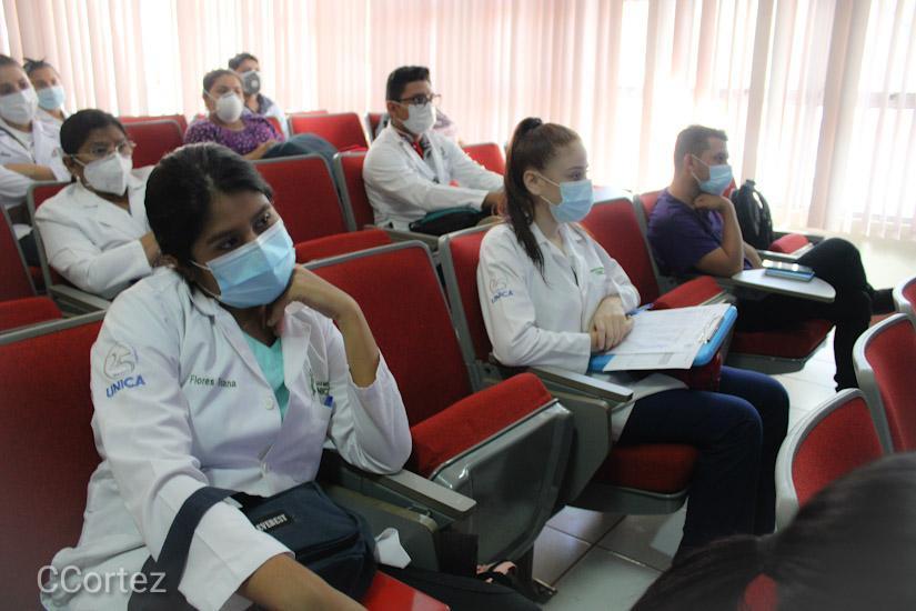 Pediatras afianzan conocimientos con especialistas mexicanos Managua. Radio La Primerísima