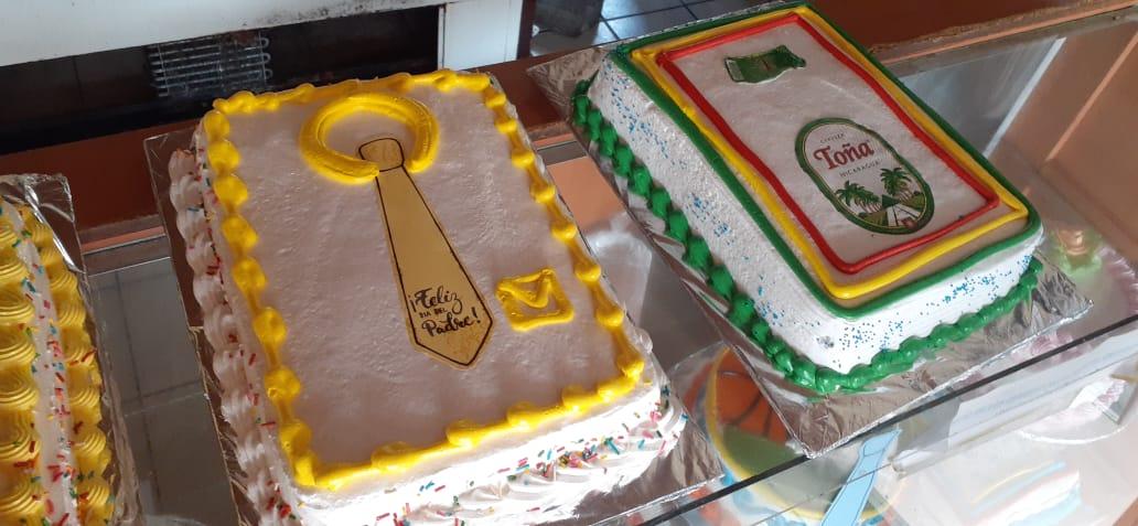 Esperan vender más pasteles en el Día del Padre Managua. Radio La Primerísima