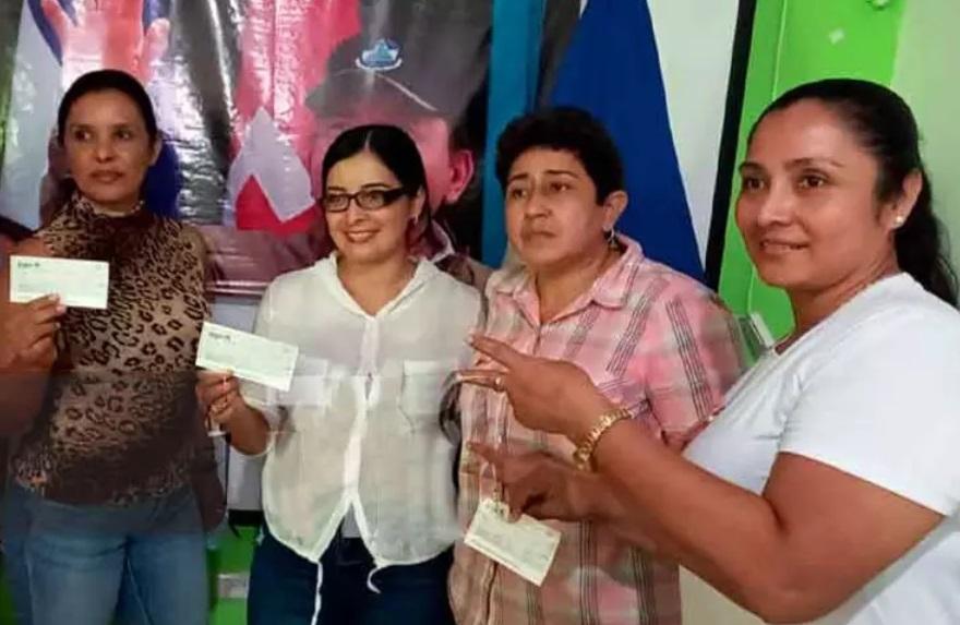 Chontaleñas emprendedoras reciben microcréditos Managua. Radio La Primerísima