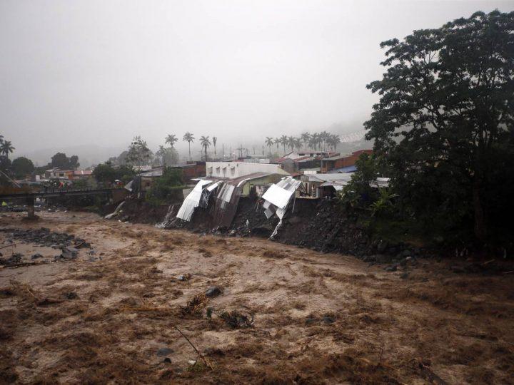Sube a 3.000 la cifra de damnificados por temporal en Costa Rica