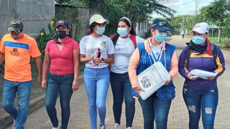 Entrega más de 100 títulos de propiedad a familias de Carazo Jinotepe. Manuel Aguilar/Radio La Primerísima