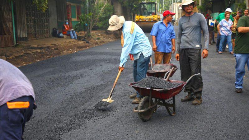 Construyen ocho cuadras de calles en barrio Recreo Sur Managua. Por Ingrid Canda/Radio La Primerísima