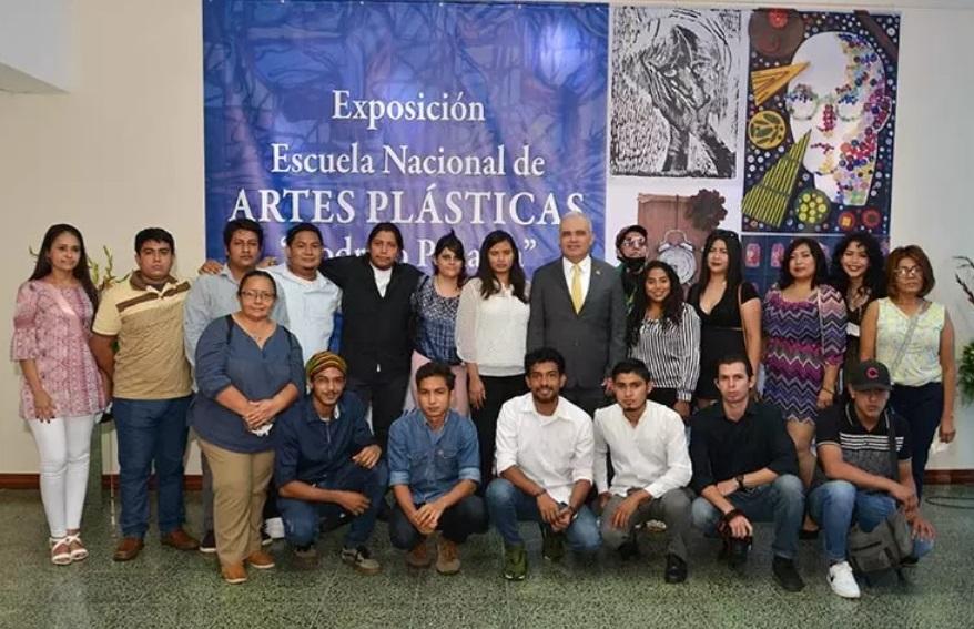 Banco Central inaugura exposición de artes plásticas Managua. Radio La Primerísima