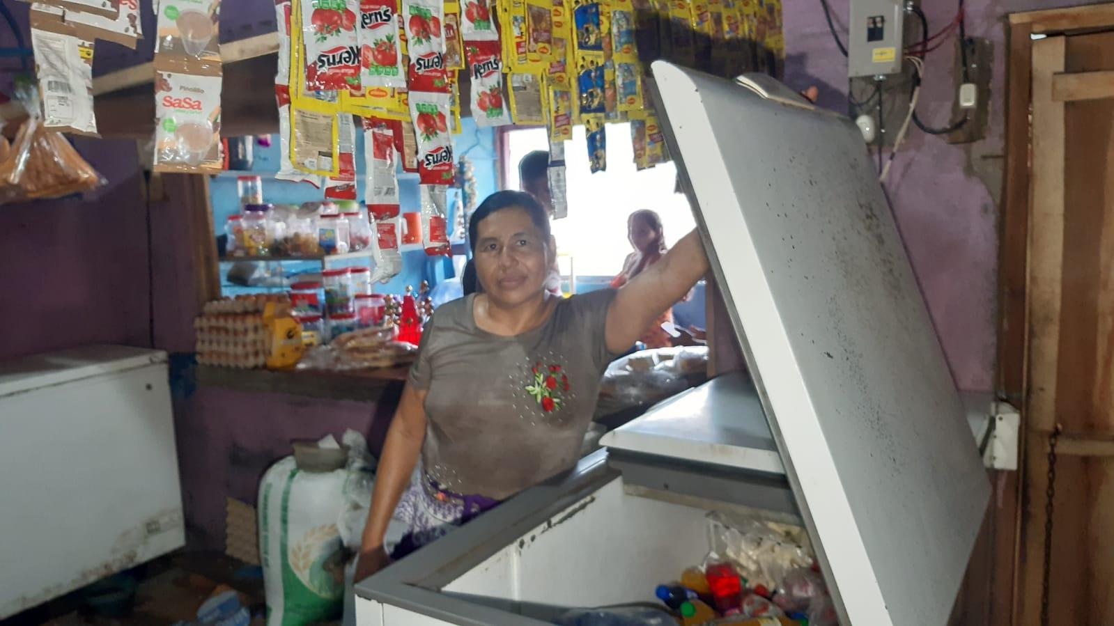 Llevan energía a comunidad Los Pescadores en El Viejo Managua. Radio La Primerísima