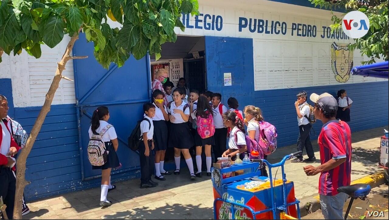 Reinician curso escolar con atención en medidas contra Covid-19 Managua. Radio La Primerísima