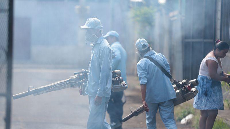 Fumigan más de dos mil hogares en Villa Reconciliación Managua. Radio La Primerísima