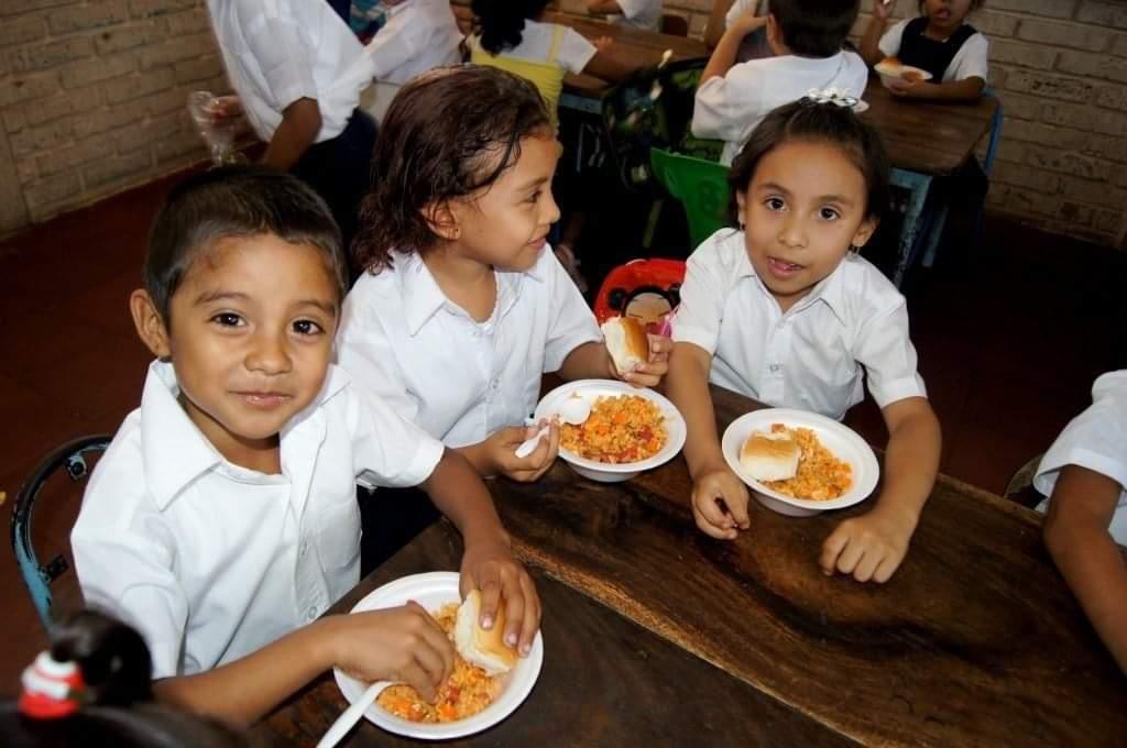 Distribuyen Merienda Escolar Managua. Ingrid Canda/Radio La Primerísima
