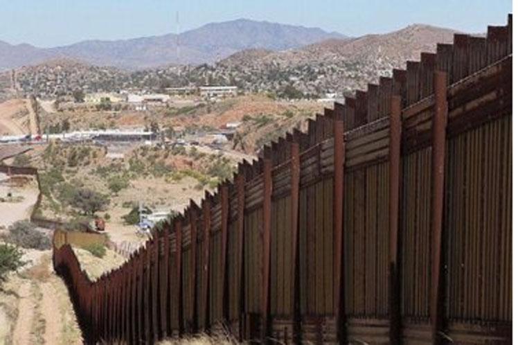 Encuentran cadáveres de 43 migrantes en frontera de EEUU Washington. PL