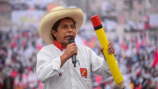 Presidente electo de Perú anuncia que devengará sueldo de maestro Lima. TELESUR