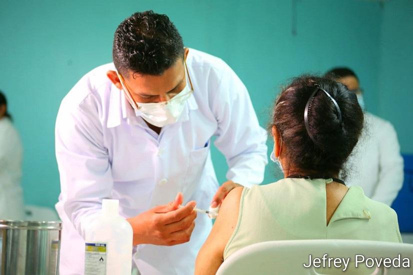 MINSA vacuna a extranjeros residentes en el país Managua. Por Libeth González/Radio La Primerísima