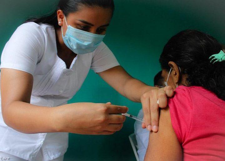 Continúa primera dosis contra el COVID en Managua