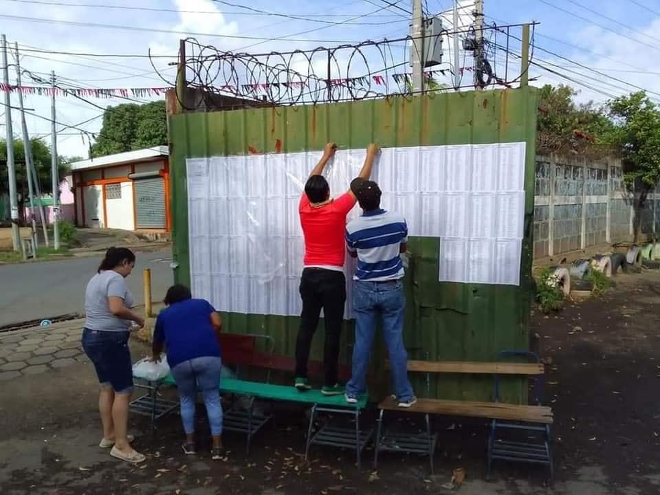 CSE publica padrón electoral en Centros de Votación Managua. Radio La Primerísima
